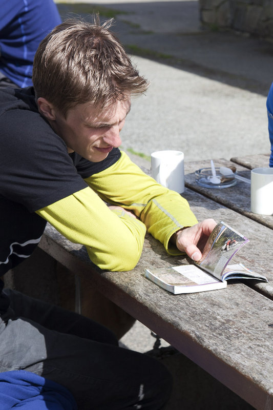 Jorg Verhoeven checking his guidebook for more routes after a good morning on Bwlch y Moch!, 106 kb