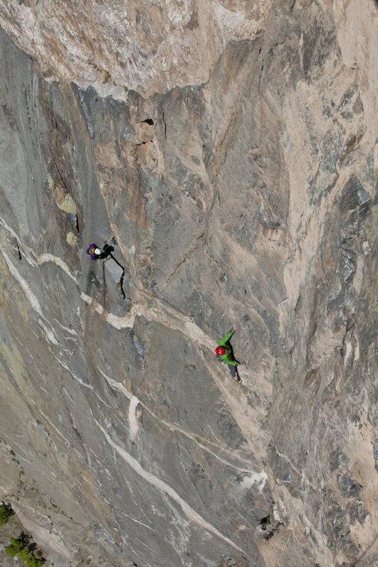 Hansjörg Auer Free climbing the Hallucinogen Wall, 137 kb