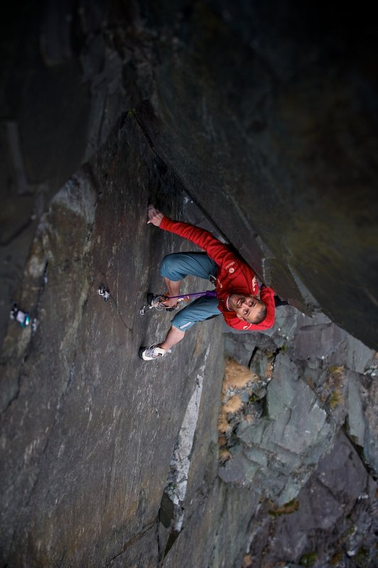 Steve McClure in the desperate slate chimney groove of The Quarryman, 68 kb