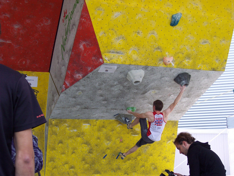 Stew Watson in the men's qualifiers at the Vienna round of the bouldering world cup, 141 kb