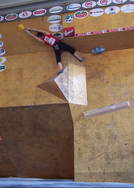 Diane Merrick in the qualifiers at the Slovenia round of the bouldering world cup, 63 kb