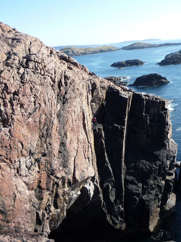 Wild West Coast climbing at Sheigra, North West Highlands, 151 kb