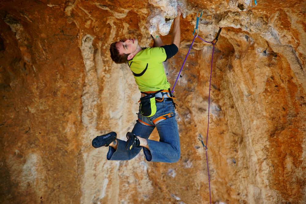 Robbie Phillips, Edelrid athlete puts the Creed harness to the test in Kalymnos., 198 kb
