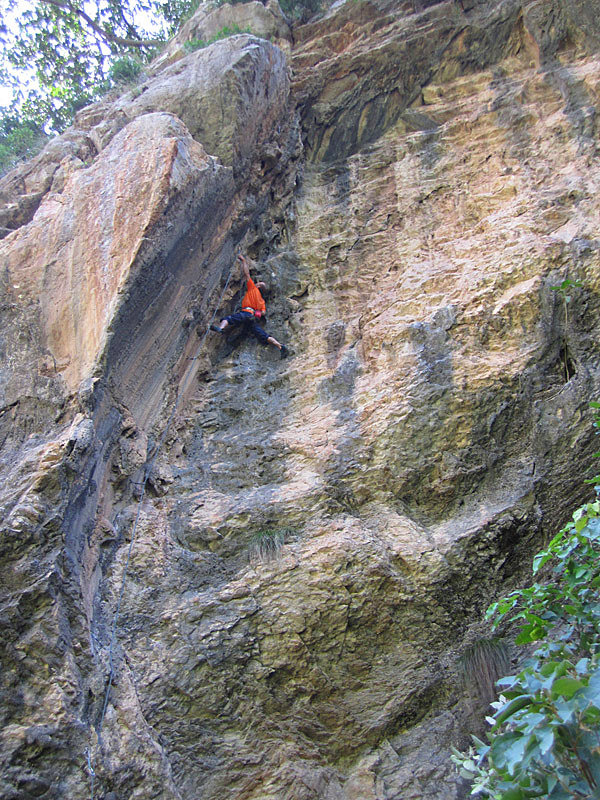 Jens on the tufa-fest that is Blame God (6b+). The arête to the left is unclimbed but possible at 8b or more, 229 kb