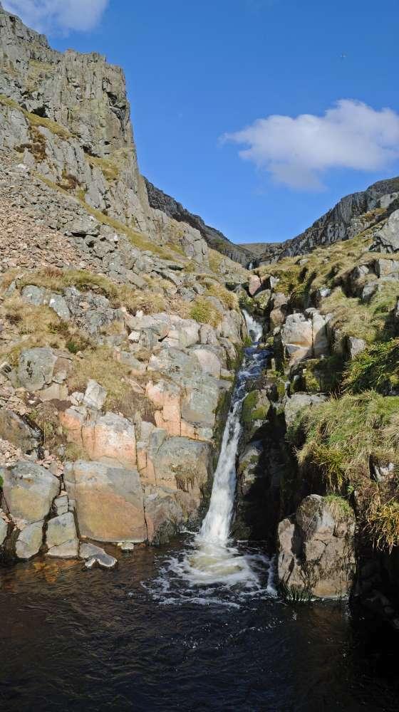 Waterfall, Hen Hole, 93 kb