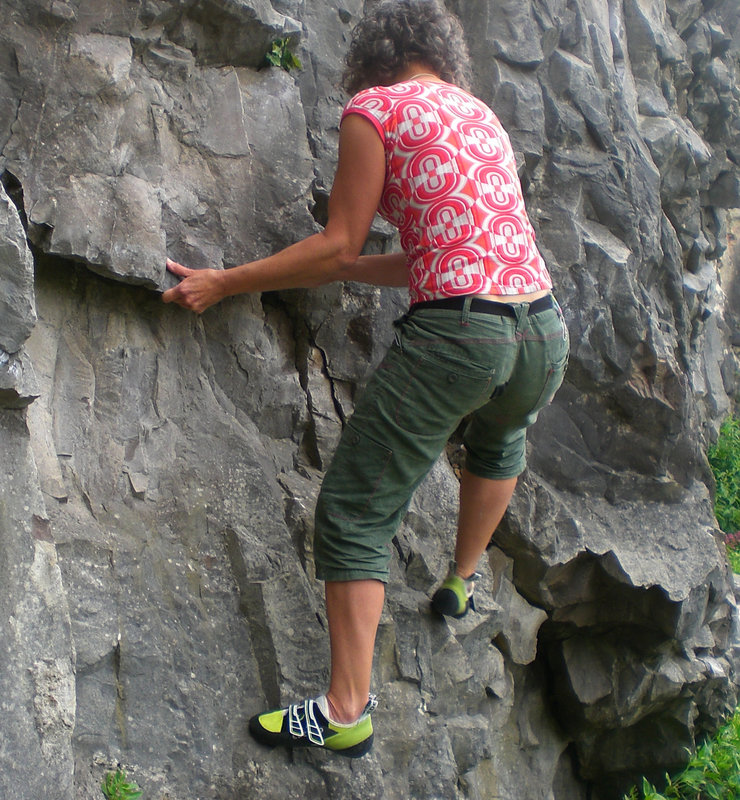 Sticky Edelrid soles coping  admirably with limestone polish, 186 kb