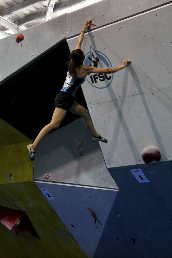 Akiyo Noguchi winning the Barcelona round of the 2011 Bouldering World Cup, 84 kb