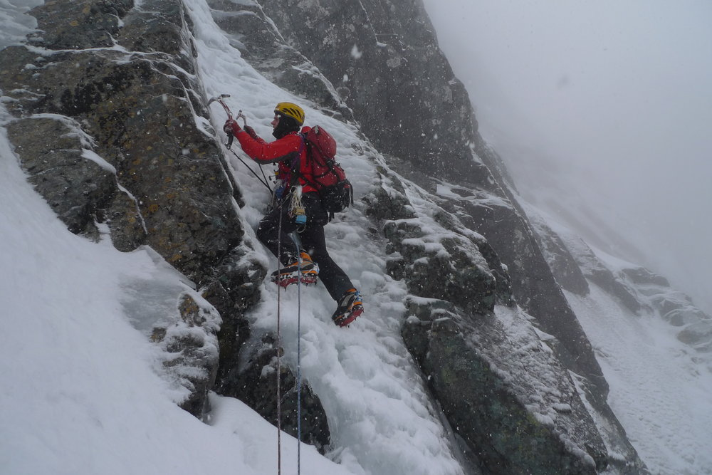 Rob Greenwood wearing the AK47 on Indicator Right Hand (V, 5), Ben Nevis, 128 kb