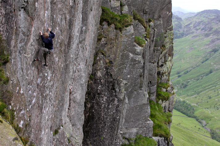 Adam Hocking top roping the very bold 'The Ego Has Landed' prior to his lead, 126 kb