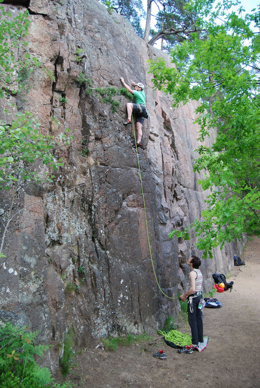 Sport and trad climbs next to each other. Climbing with the Rox Plus in Sweden., 198 kb