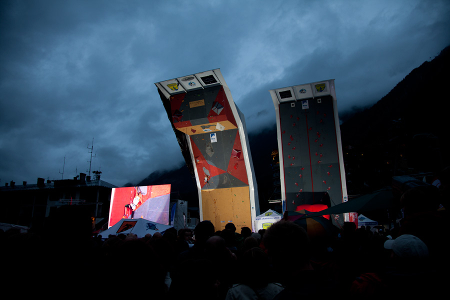 The outdoor competition wall in the centre of Chamonix., 99 kb