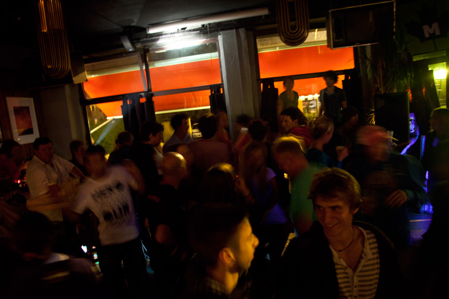 After the competition many climbers were partying at the local MBC bar., 142 kb