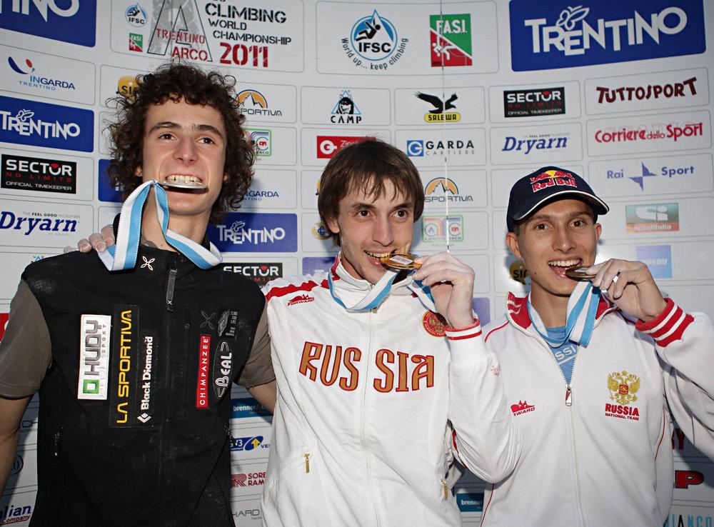 L-R: Adam Ondra (2nd), Dmitry Sharafutdinov (1st) and Rustam Gelmanov (3rd), 215 kb