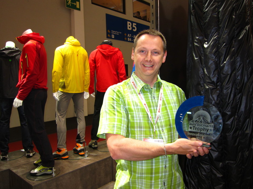 Hugh and Marmot's award 3, 136 kb