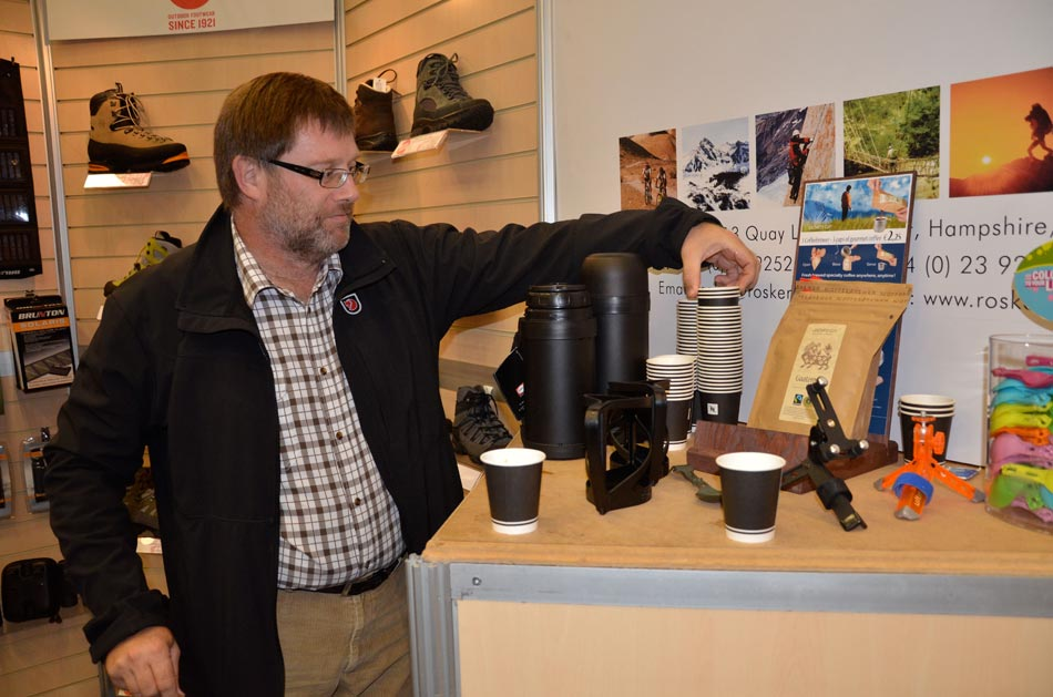 Ralph White of Rosker brewing up using Grower�s Cup , 93 kb