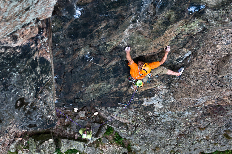Steve McClure flashing Eulogy Direct (E8) on Raven Crag Langdale, 211 kb