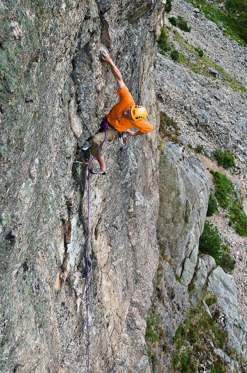 Steve McClure onsighting Dawes Rides a Shovel Head (E8) on Raven Crag Langdale, 250 kb