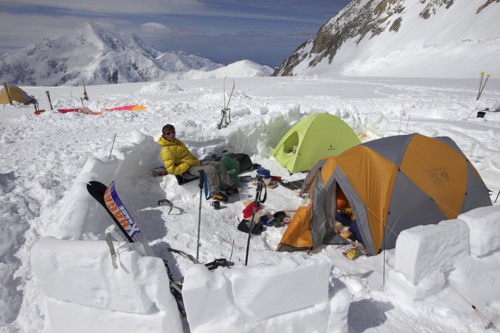 14 Camp on Denali (BD Firstlight tent), 151 kb