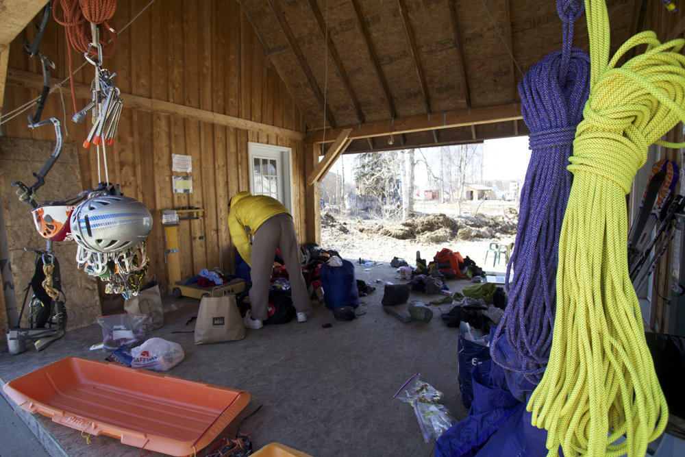 Sterling Photon ropes- packing our back to head into the Range in Talkeetna, 224 kb