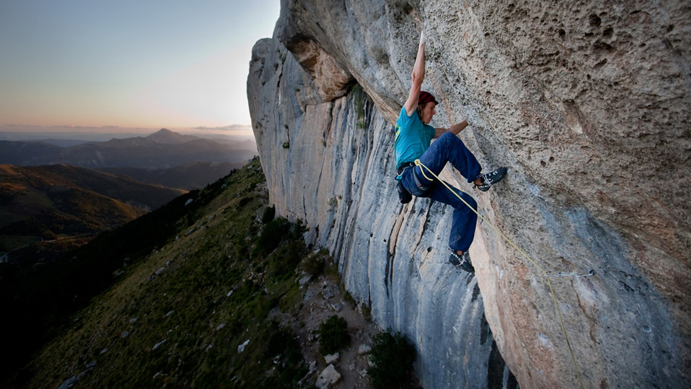 Ed finishes off Carte Blanche in the evening light, 157 kb