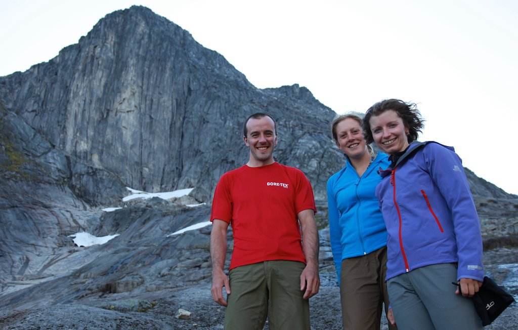 Dave MacLeod, Helena Robinson and Julia Snihur beneath Blamman, Norway, 106 kb