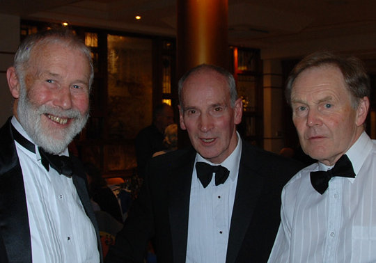 Sir Chris Bonington, Mark Vallance and Derek Walker, 40 kb