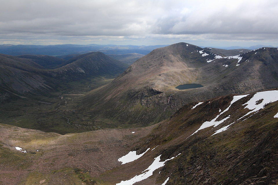 Cairn Toul and the Lairig Ghru from Braeriach, 146 kb