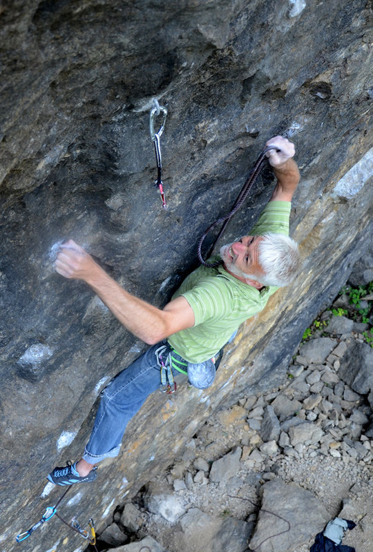 Mark Richardson making a clip, Masson Lees, 147 kb