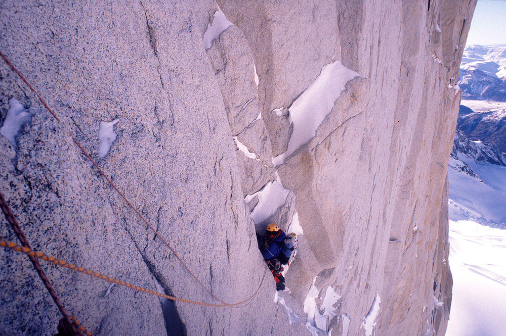 Utter commitment to style - Ian high on Mermoz, a proper steep bit of mixed climbing, 234 kb