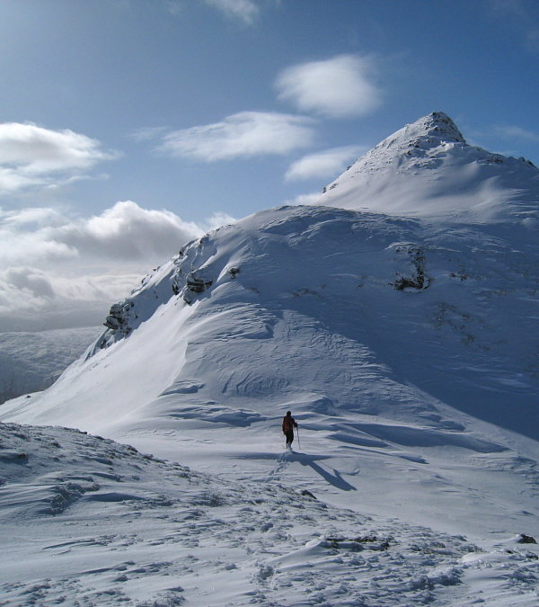 Approaching Meall Garbh, 80 kb