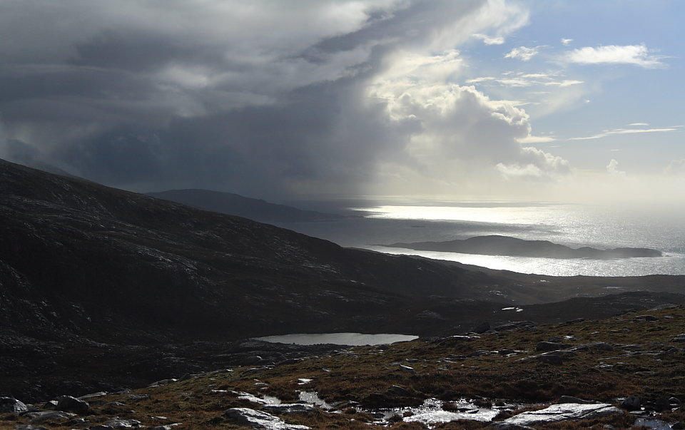 Time to get the waterproofs out on the Isle of Lewis, 90 kb
