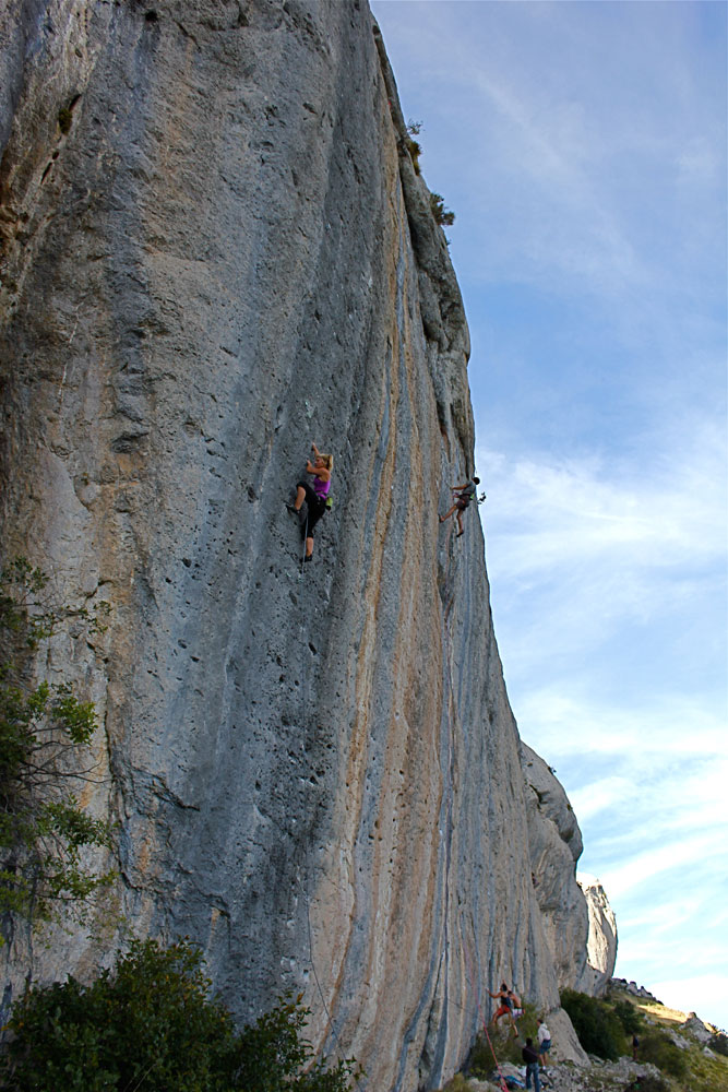 Hazel Findlay climbing La Femme Blanche (8a+) at Ceuse, France, 174 kb