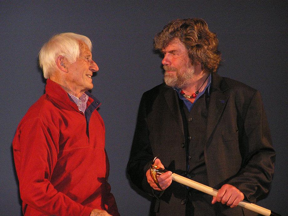 Walter Bonatti & Reinhold Messner at the Piolet D'Or 2009, 145 kb
