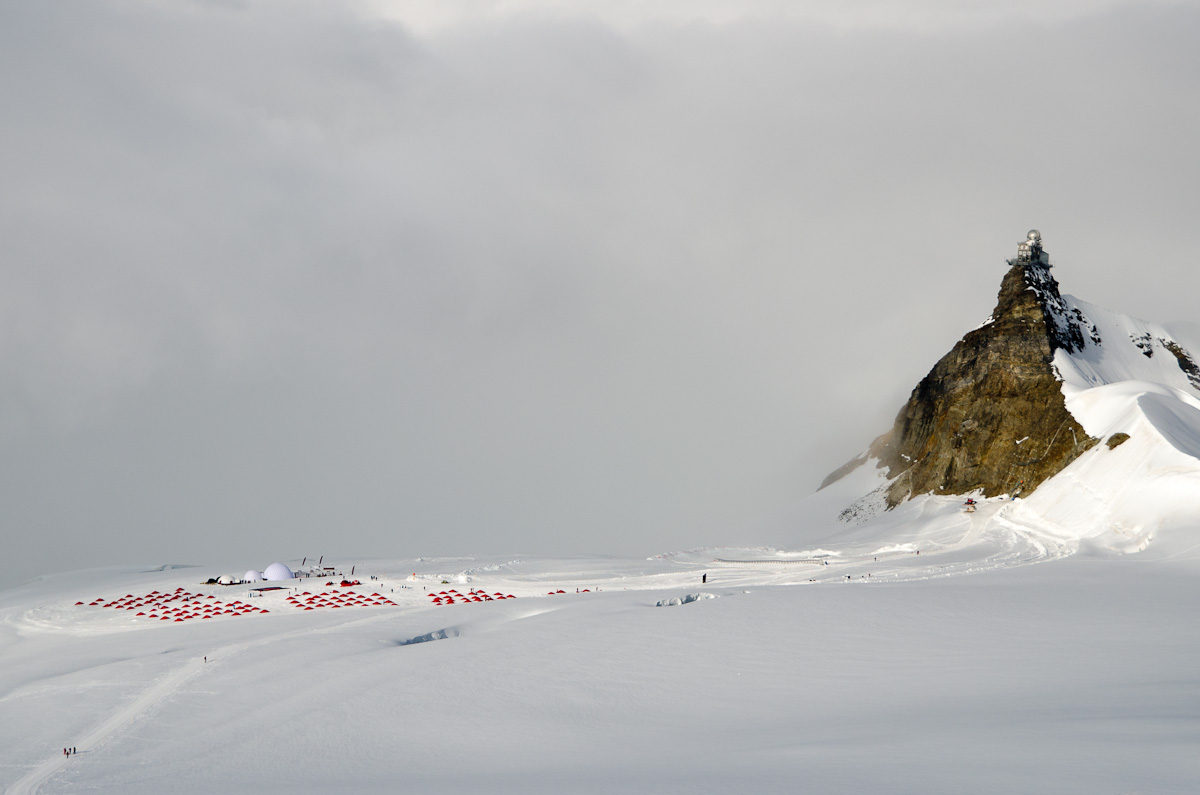 The Mammut basecamp on the Aletsch Glacier, 143 kb