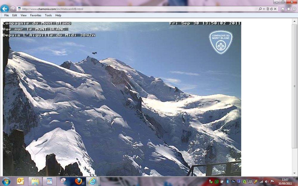 Aliens above Mont Blanc !!!!!, 117 kb
