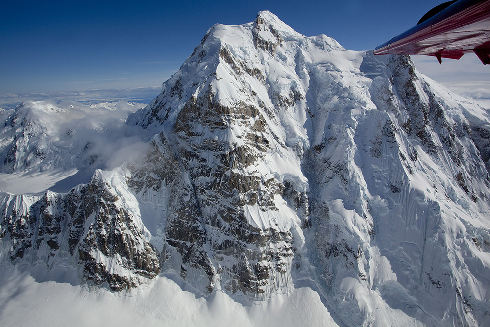 Ariel shot of the superb north buttress of Mt Hunter, Alaska., 238 kb