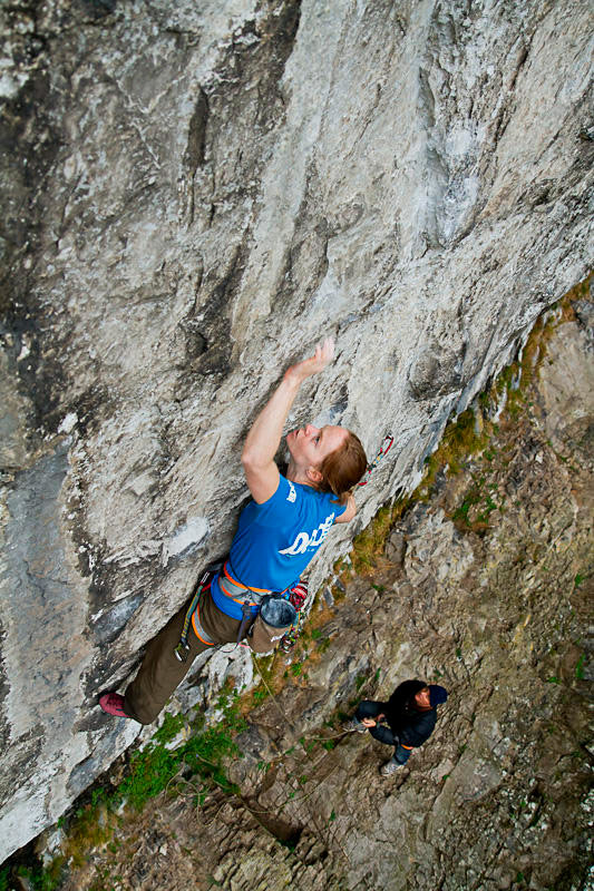 Jules Littlefair on Predator 8b at Malham, 163 kb