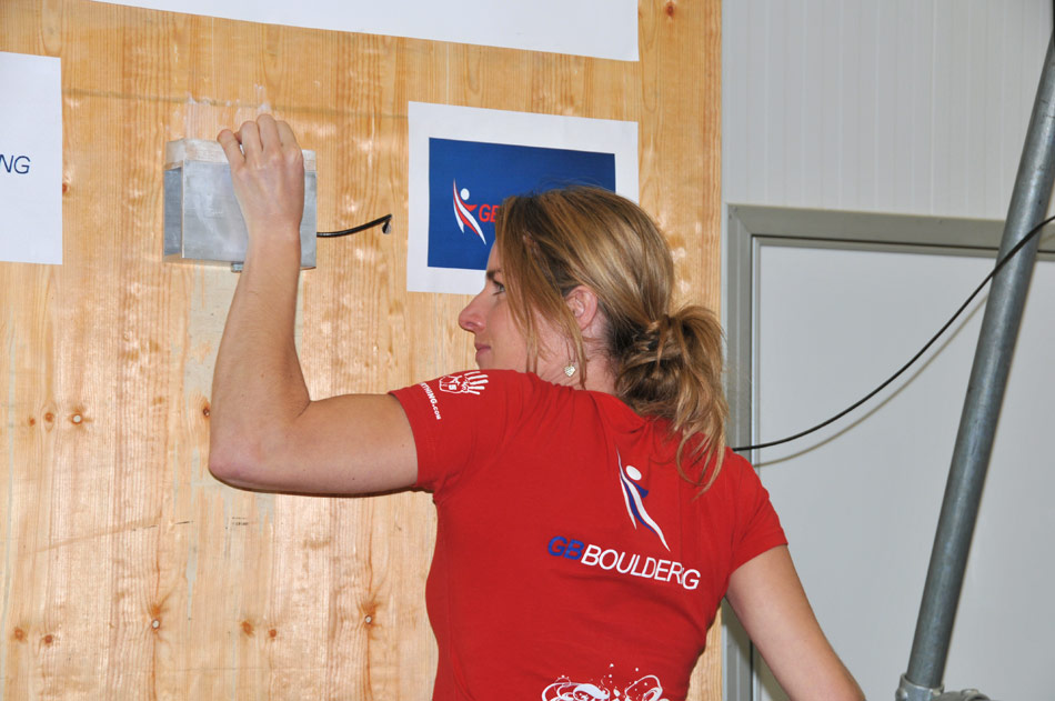 Gill Peet completing the Maximal Isometric Lock Off Strength Test , 113 kb