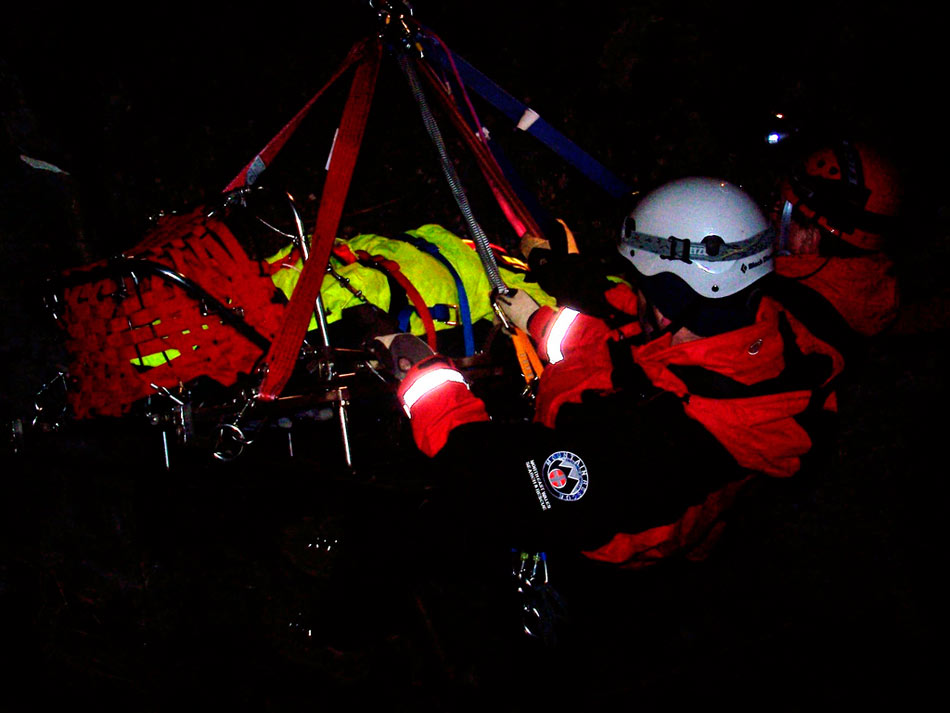 NEWSAR (North East Wales Search and Rescue) in action, 83 kb