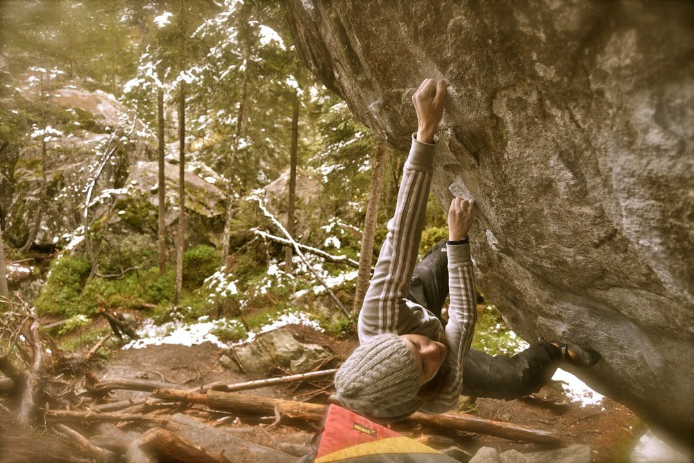 Therese Johansen on Pura vida, 8A+, Magic wood, Switzerland, 174 kb