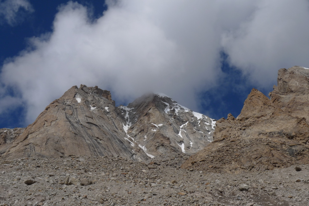 The gulley route up the east side of Lama Jimsa Kangri (6276m)., 217 kb
