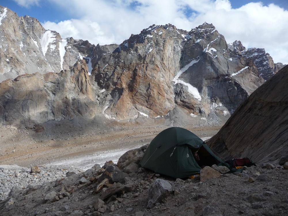 Camping at the base of the gulley on Lama Jimsa Kangri (6276m)., 227 kb