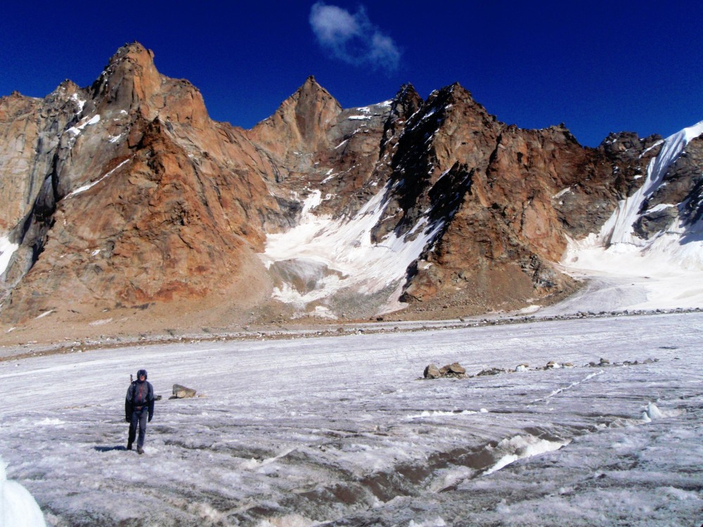 The central triangular peak was an initial objective but Kunal and Jonny's plans changed when bad weather came in., 228 kb
