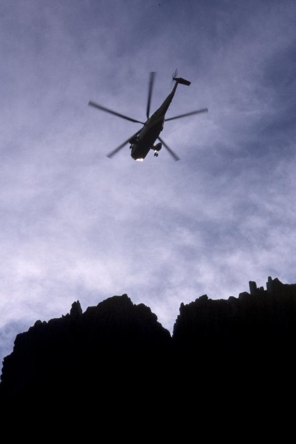 Sea King over Tryfan, 178 kb