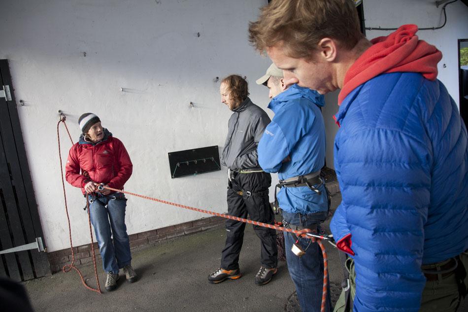 Helen Teasedale talks through some rescue techniques, 131 kb