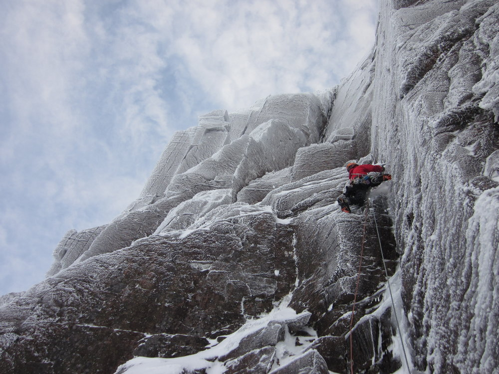 Jim running it out on the first pitch of the Vicar, 200 kb