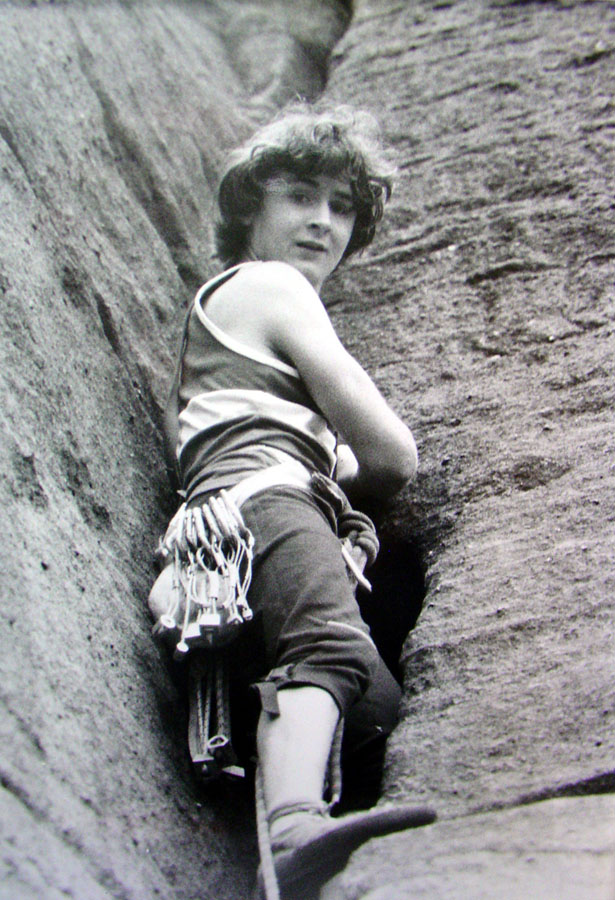 Kevin Thaw leading Coffin Crack VS 4c, which is the adjacent route to Kevin's masterpiece; Order of the Phoenix (E8), 167 kb