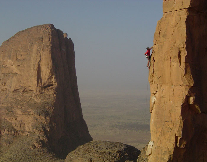 Kevin Thaw climbing at The Hand of Fatima, Mali, 80 kb