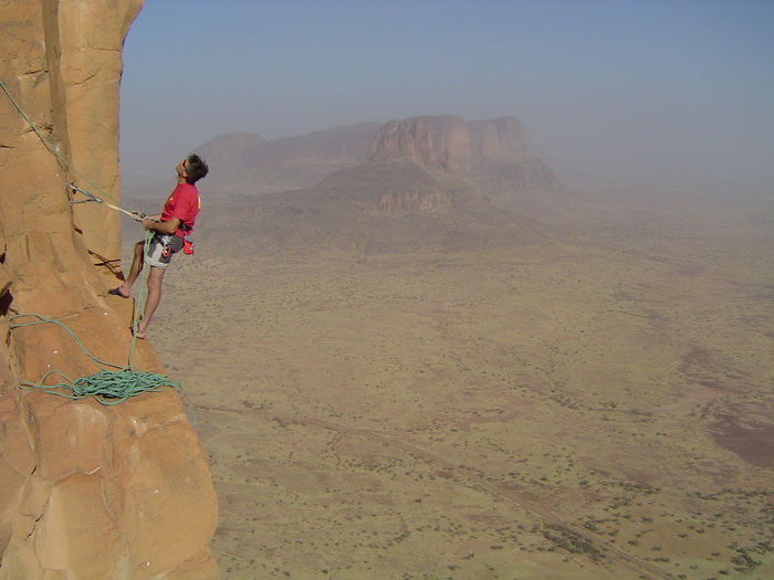 Kevin Thaw climbing at The Hand of Fatima, Mali, 69 kb
