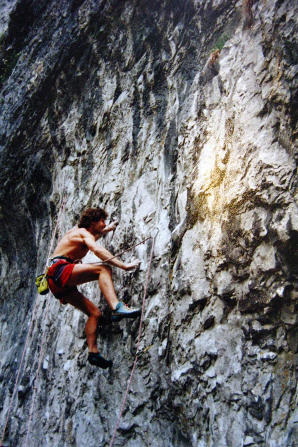 Early days of the Malham catwalk Kevin Thaw on Frankenstein, 194 kb